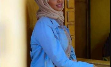 """صورة في وضح النهار.. مليشيات الحوثي تختطف شابة وسط صنعاء بعد الاعتداء عليها بالضرب المبرح """"اسم وصورة"""""""
