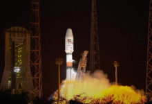 """صورة الإمارات تطلق القمر الصناعي """"عين الصقر 2"""" لأغراض عسكرية"""