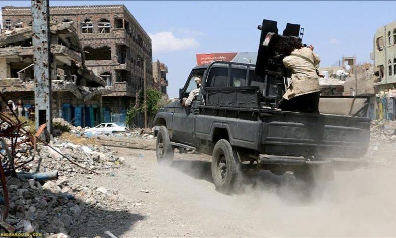 الحكومة اليمنية ما يحدث في تعز الان جريمة حرب تستدعي تدخلاً دولياً