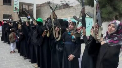 صورة الزينبيات يختطفن معلمة ونجلها من منزلهما في صنعاء
