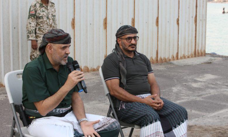 """صورة """"يمن الغد"""" ينشر تفاصيل أول لقاء يجمع محافظ تعز بالعميد طارق صالح """"صور + فيديو"""""""