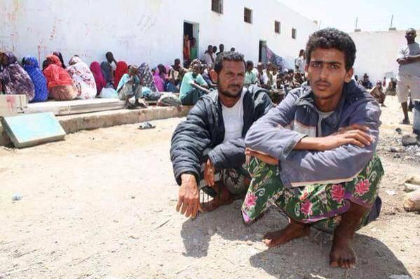 كاتب صومالي يكشف عن أوضاع مأساوية يعيشها اللاجئون اليمنيون في الصومال ويناشد الحكومة ورجال الاعمال التدخل
