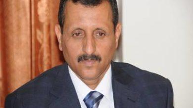 صورة النائب العام السابق يقاضي الرئيس هادي