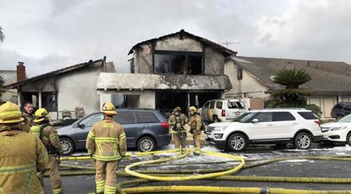 الولايات المتحدة: طائرة تسقط على منزل وتخلف قتلى