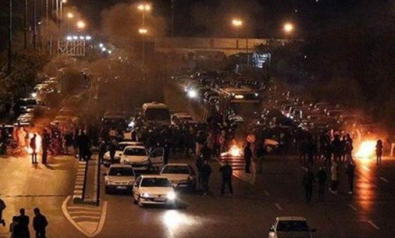 انتفاضة عارمة ضد الحرس الثوري والاحتجاجات تجتاح 8 مدن إيرانية حتى الان