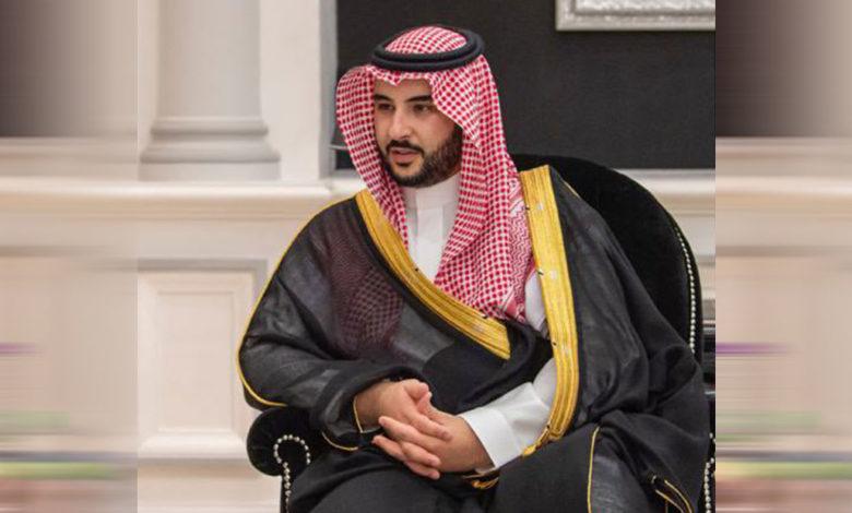 """صورة بن سلمان يبحث مع المبعوث الأمريكي """"ليندركينغ"""" مستجدات الأوضاع في اليمن"""