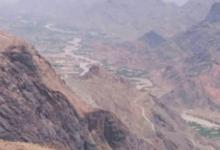صورة الجيش يستعيد السيطرة على مواقع عقب دحر الحوثيين منها.. وحشود متواصلة للجيش والحوثيين استعدادا للمعركة الفاصلة.. ولكن في جبهة جديدة!