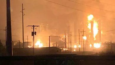 صورة تفاصيل الانفجار الضخم الذي هز ثاني أكبر مصفاة للنفط وإحصائية أولية بالضحايا