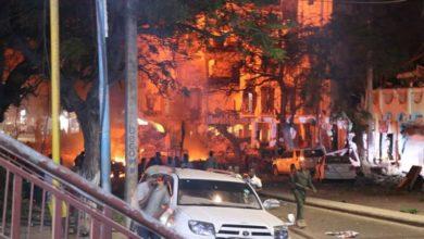 صورة عاجل: عشرات القتلى والجرحى في انفجار بسيارة مفخخة استهدف مطعما يمنيا