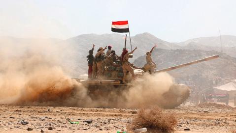 صورة جميع المواقع التي تتمركز فيها الميليشيا الحوثي في جبهة الجدافر بالجوف باتت تحت قبضة الجيش