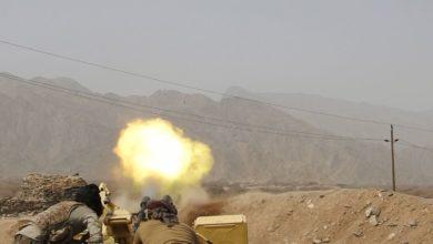 صورة أمواج الهجمات الحوثية تتكسر على صخور مأرب ومقاتل يوثق خسائر الحوثي في جبهاتها