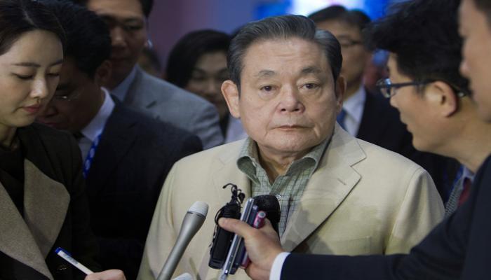 """صورة حولها لإمبراطورية.. سامسونج تعلن وفاة رئيسها لي كون-هي """"حياته ومسيرته"""""""