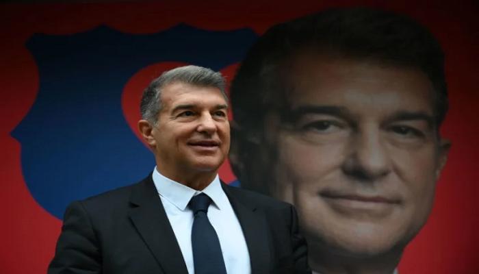 صورة خوان لابورتا يعود إلى رئاسة برشلونة