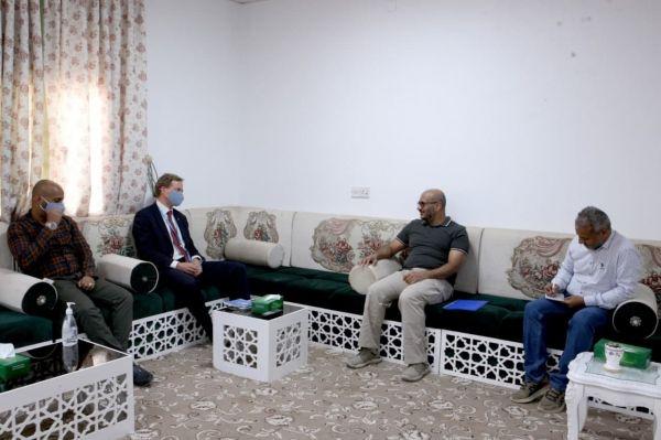 صورة رئيس المكتب السياسي للمقاومة الوطنية يلتقي مسؤول التنسيق الإنساني بمكتب الأمم المتحدة في اليمن