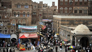 """صورة لا مكان لبهجة رمضان في صنعاء """"أزمات مفتعلة.. جرعات سعرية جديدة.. غلاء فاحش"""""""