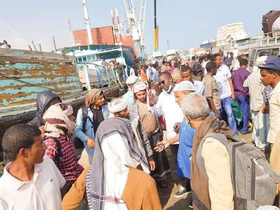 الصومال تعلن استقبال ثالث سفينة وعليها عشرات اللاجئيين اليمنيين اغلبهم أطفال ونساء