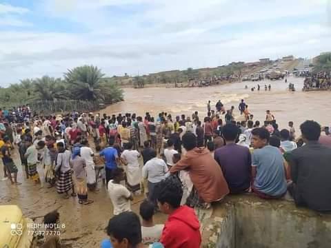 """صورة """"إعصار جاتي"""" يضرب سقطرى ومعلومات عن تدمير منازل ونزوح عشرات الأسر"""
