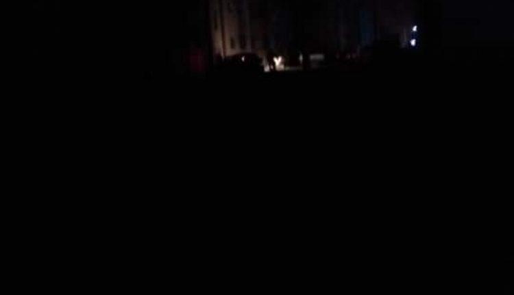 صورة عدن تغرق في ظلام دامس وحر شديد والمنحة السعودية تشترط إقامة حفل تدشين