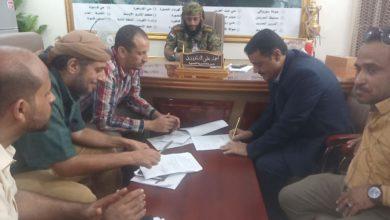 صورة عدن.. مدير عام المنصورة يبرم اتفاقية لتنفيذ مشروع تقوية ضخ المياه بمخطط الكثيري