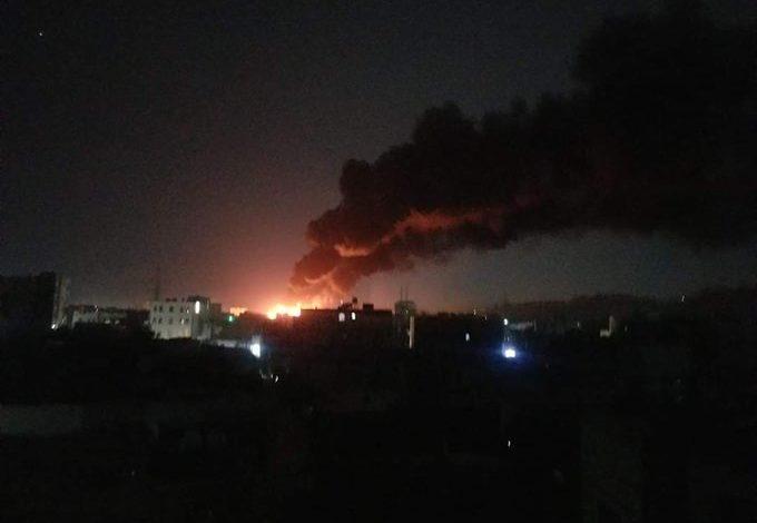 """صورة طيران التحالف يجدد غاراته العنيفة على العاصمة صنعاء """"تفاصيل المواقع المستهدفة حتى الان"""""""