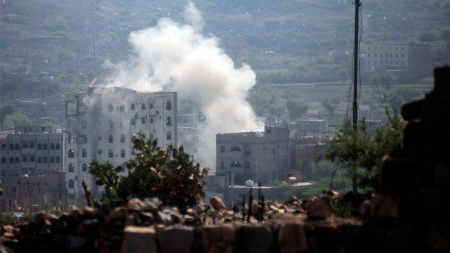 قصف حوثي على الاحياء السكنية بمدينة تعز