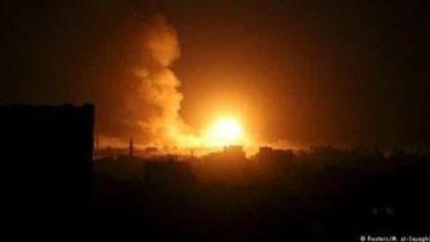 صورة إسقاط طائرة في الحديدة وميليشيات الحوثي تهاجم أحياء سكنية