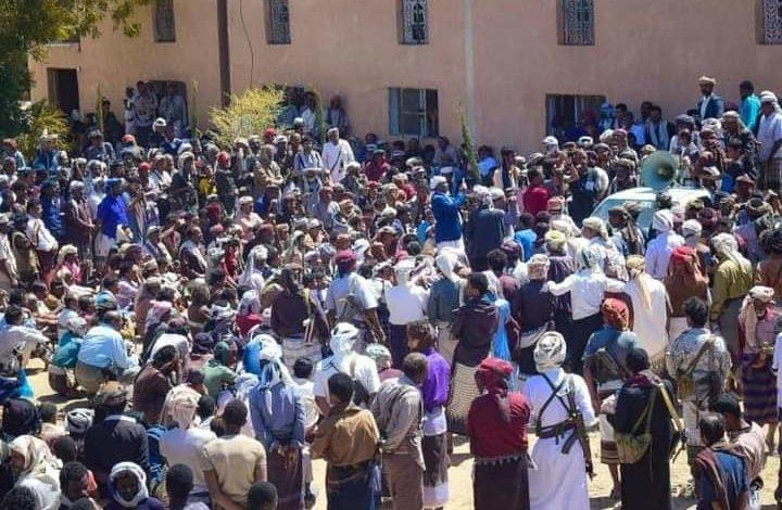 صورة الغضب الشبواني يتصاعد لإنقاذ المحافظة وقيادات عسكريةتتحرك لإحباط المؤامرة