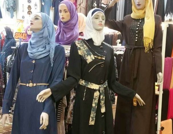 """بذريعة امتلاكهم """"مجسمات تؤخر النصر""""حملة حوثية لابتزاز تجار الملابس في صنعاء"""