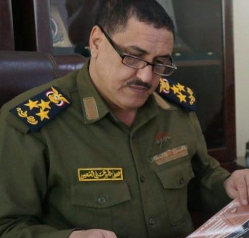 أحد جرحى حرب تحرير عدن ومبتور القدمين يشكو ما حدث له في إدارة المرور ويستغيث بمدير الأمن
