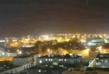 صورة قصف صاروخي تشنه مليشيا الحوثي على أحياء سكنية بمأرب يخلف عدد من الجرحى