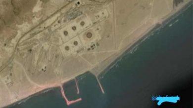 صورة مصادر ملاحية: سفينة تابعة لمسئول في الشرعية تستعد لتهريب 2 مليون برميل من النفط الخام بتوجيهات من الجنرال