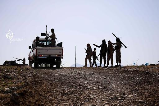 """صورة الجيش يحرر معسكراً شهيراً في تعز والمعارك تشتد """"اخر المستجدات"""""""