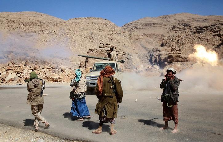 صورة بمساندة القبائل ..معارك عنيفة وعشرات القتلى والجرحى في هذه المنطقة من مأرب