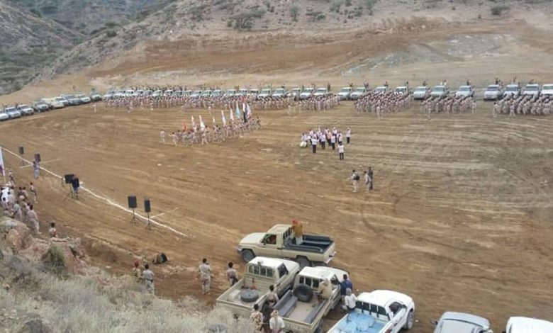 صورة بالصور.. الإصلاح يدشن معسكراته رسميا وبشكل علني للزحف نحو الجنوب وباب المندب