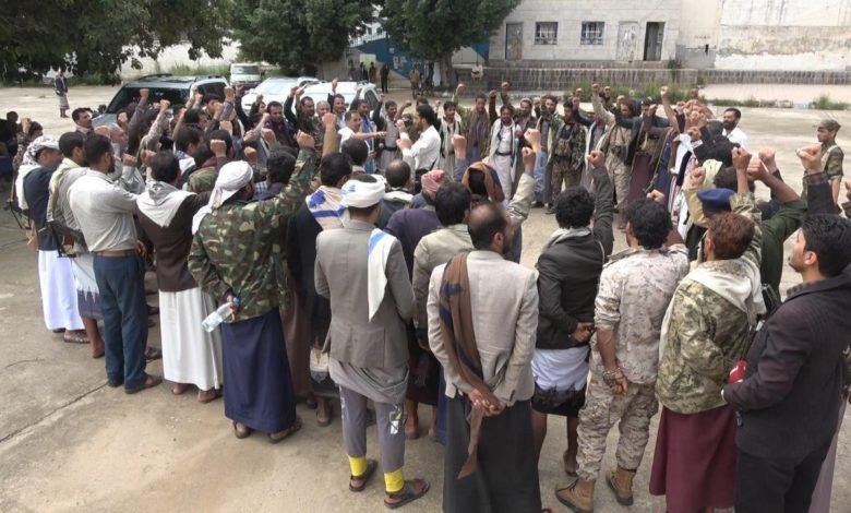 صورة مليشيا الحوثي تختطف العشرات من مقاتليها بعد فرارهم من جبهات مأرب