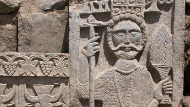 صورة الحكومة توجه اتهام لمليشيا الحوثي بنهب متحف ظفار التاريخي