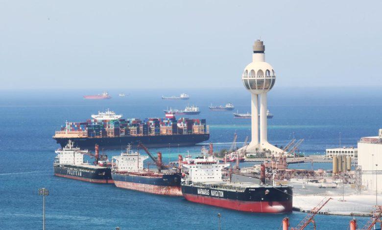 تفتيش السفن من ميناء جدة