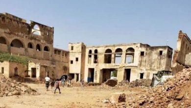 """صورة """"نازية الحوثي"""" تدمر تراث اليمن.. تفجير وتدمير للقلاع التاريخية"""