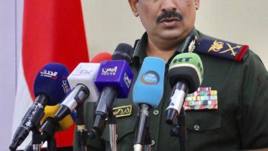 صورة وزير الداخلية يشدد على سرعة توحيد القرار العسكري والأمني