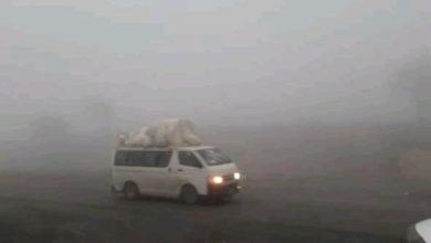 صورة وفاة 6 يمنيين من عائلة واحدة في انقلاب باص بسبب الأمطار