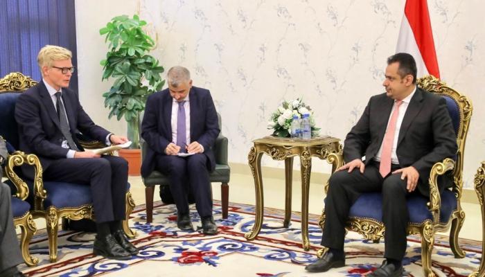 صورة ما وراء زيارة غروندبرغ إلى عدن.. حكومة بصلاحيات الرئيس أم الحل على الطريقة الافغانية؟