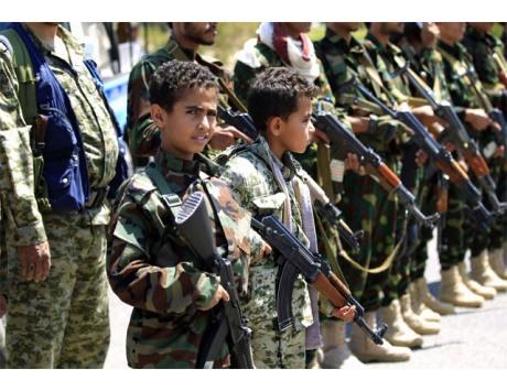 بالتزامن مع يومهم الدولي.. دعوة لإطلاق حملة إلكترونية لفضح جرائم الحوثي في تجنيد الأطفال