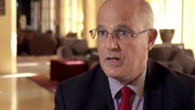 صورة السفير البريطاني: من يعتقد أن الحوثيين سوف يُسَلِّموا أسلحتهم وينسحبوا إلى صعدة فهو واهم ولعمان تأثير كبير عليهم (حوار)