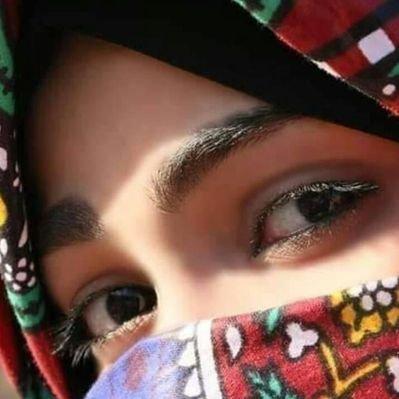 صورة وثيقة قبلية ضد النساء في صنعاء تشعل شبكات التواصل وتثير ضجة كبيرة (منع الهواتف ومساحيق التجميل والعمل مع المنظمات وركوب الاجرة)
